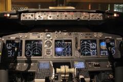 BOEING 737-800 4